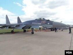 2013年莫斯科航展上的苏-35战机(美国之音白桦拍摄)