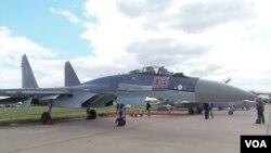 2013年莫斯科航展上的蘇-35戰機(美國之音白樺拍攝)