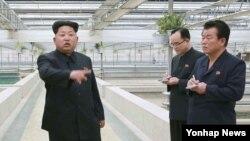 Lãnh tụ Bắc Triều Tiên ra chỉ thị trong một cuộc thị sát ở Bình Nhưỡng.