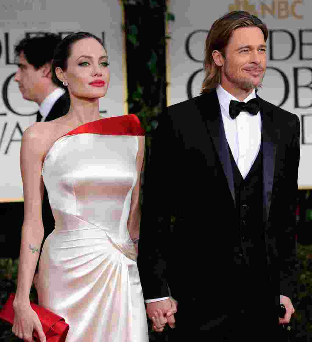 """Power couple"" Brangelina, Angelina Jolie dan Brad Pitt, tiba di karpet merah Golden Globe di Los Angeles (AP)."