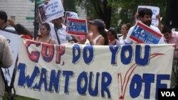 Estrategia a nivel nacional estará enfocada en los republicanos y en los estados con mayor población hispana para conseguir el voto a favor de una reforma de inmigración tan pronto regresen a sus labores.