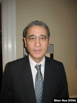 中国问题专家章家敦(美国之音记者申华拍摄)