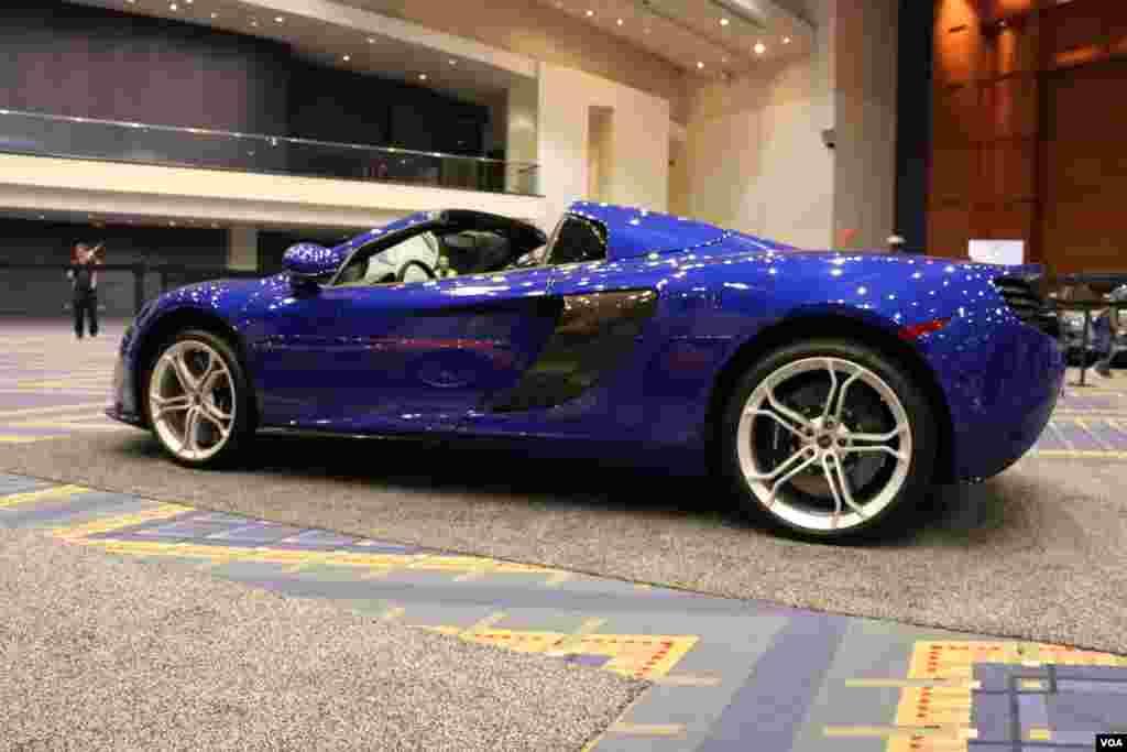نمایشگاه اتومبیل واشنگتن مک لارن Model: 570GT