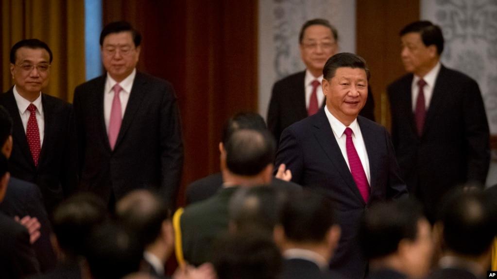 中國國家主席習近平等領導人出席國務院在人民大會堂舉行的慶祝中華人民共和國成立六十八週年的國慶招待會(2017年9月30日)
