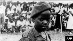 Мальчик-солдат. Уганда. 1996 г.