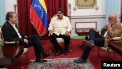Maduro también recibió al ex presidente del gobierno español, José Luis Rodriguez Zapatero, como parte de los esfuerzos de diálogo.