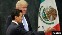 2016年8月31日美国共和党总统候选人唐纳德·川普和墨西哥总统恩里克·佩尼亚·涅托在墨西哥城会晤
