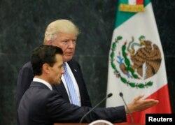 川普总统和墨西哥总统涅托2016年会面(资料照)