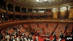 Thượng viện Ý trong 1 phiên bỏ phiếu tại Rome, 11/11/2011