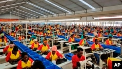 Ethiopian factory workers produce shoes at the Chinese company Huajian's plant in the Lebu Industrial complex near Addis Ababa, Ethiopia. (File)