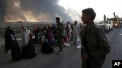 Izbeglice iz Mosula na putu ka Iraku, 18. oktobar 2016.