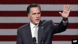 Ứng cử viên tổng thống của Đảng Cộng hòa Mitt Romney phát biểu tại trường đại học cộng đồng Lansing ở Michigan, ngày 8/5/2012