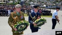 Kepala pasukan pertahanan Selandia Baru dan Australia dalam upacara peringatan seabad Perang Dunia I di Anzac Peace Park, Albany, Australia.