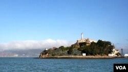 Alkatraz hapishanesinin San Francisco'dan görünümü