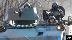 韩国军队在靠近朝鲜的地区进行年度军事演习