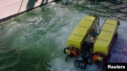 美国海军一只无人潜航器下水(资料图)