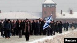 Thế giới đánh dấu ngày Ngày Tưởng Niệm Nạn Nhân Diệt Chủng Quốc Tế 27 tháng 1 để tưởng nhớ hàng triệu nạn nhân trong vụ diệt chủng của Đức quốc xã trong Thế chiến thứ 2