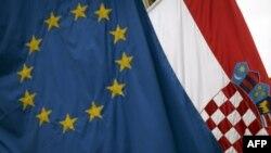 Udhëheqësit e BE urojnë Kroacinë si vendin e 28-të të Bashkimit