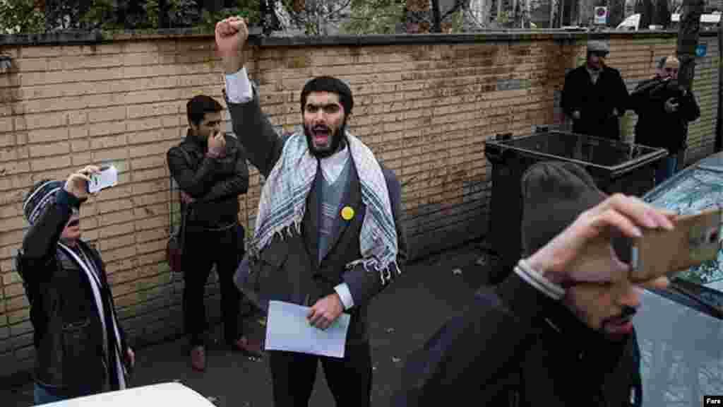 تجمع اعتراضی مقابل سفارت نیجریه در تهران