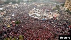 2013年7月2日反对派在开罗的解放广场举行抗议示威,要求穆尔西总统下台。