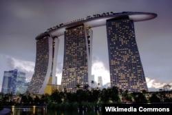 Marina Bay Sands kurortu dünyada ən çox fotosu çəkilən məkanlardan biridir.
