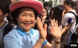 香港前政務司司長陳方安生加入七一遊行