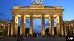 Başkan Barack Obama'nın Berlin'de konuşma yapacağı Brandenburg Kapısı