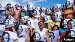 Manifestantes por la violencia en Venezuela: Amnistía Internacional lamenta la salida de ese país de la CIDH.