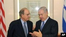 اسرائیلی وزیراعظم نتن یاہوامریکی خصوصی نمائندے جارج مچل کے ہمراہ