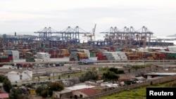 希臘港口比雷埃夫斯
