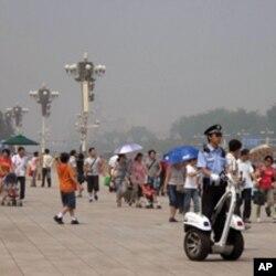警察在天安門廣場值勤