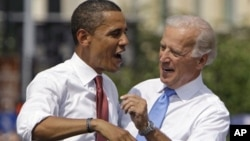 Барак Обама и Джо Байден (архивное фото)