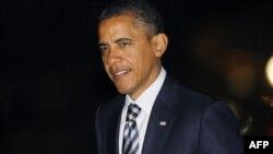 Barak Obama prezidentliyə namizəd Rik Perrinin qubernatorluq etdiyi Texas ştatındadır