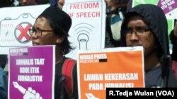 Kekerasan terhadap jurnalis di Indonesia meningkat menjadi 44 kasus di tahun 2015 dari sebelumnya 40 kasus di tahun 2014. (Foto: VOA/R.Teja Wulan).