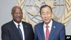 Estamos juntos: Carlos Gomes Junior e Ban Ki-moon. Secretário geral da ONU quer prolongar mandato da missão da ONU na Guiné-Bissau
