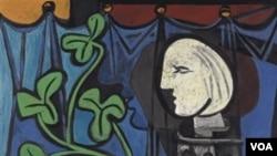 Lukisan berjudul Nude, Green Leaves and Bust (1932) ini merupakan potret interpretasi Pablo Picasso atas perempuan simpanannya, Marie-Thérèse Walter.