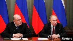 Mixail Mişustin və Vladimir Putin