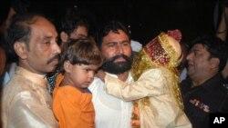 سات سالہ دولہا اور چار سالہ دلہن کے والد پولیس کی حراست میں