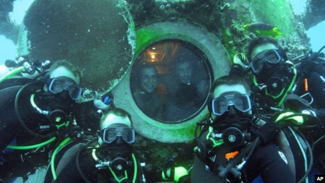 Astronauts to Aquanauts; NASA Conducts Experiments on Sea Floor