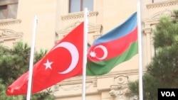 Azərbaycan və Türkiyə bayraqları