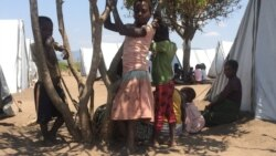 Deslocdos moçambicanos de Vanduzi ponderam risco de regresso a casa