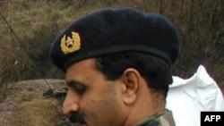 Tướng Ali Khan đã bị quân đội câu lưu chỉ mấy ngày sau khi xảy ra vụ đột kích hạ sát bin Laden