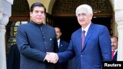 بھارتی وزیرخارجہ نے وزیراعظم اشرف سے ملاقات کی