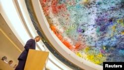 Menteri Luar Negeri AS John Kerry berpidato di Dewan HAM PBB di Jenewa (2/3). (Reuters/Evan Pucci)