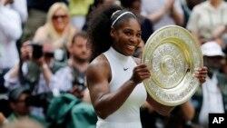 Serena Jamenka Williams, nació en Saginaw, Michigan en 1981. Tiene 175 centímetros y 68 kilos, una atleta que se ubica entre las mejores tenistas de la historia.