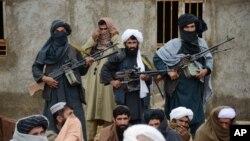 پناهگاهها و اکثر مراکز آموزشی و رهبری طالبان در پاکستان موقعیت دارد