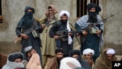Các chiến binh Taliban tại tỉnh Farah, Afghanistan.