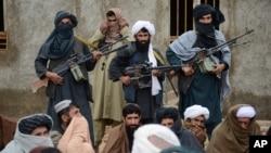 Chiến binh Taliban tại tỉnh Farah, Afghanistan.
