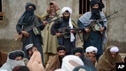 طالبان وايي ځینې مشران یې کابل ته راغلي او د حکومت په جوړولو بوخت دي