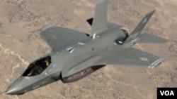 ເຮືອບິນລົບອາຍພົ່ນຊະນິດໃໝ່ F-35 ລໍານຶ່ງໄດ້ພົບເຫັນມີຮອຍ ແຕກແຫງຢູ່ທີ່ໃບພັດ